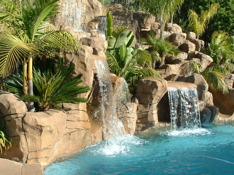 Lush Landscaped Pocket Planters Softens Faux Rock Features San Diego Swimming Pool Builders