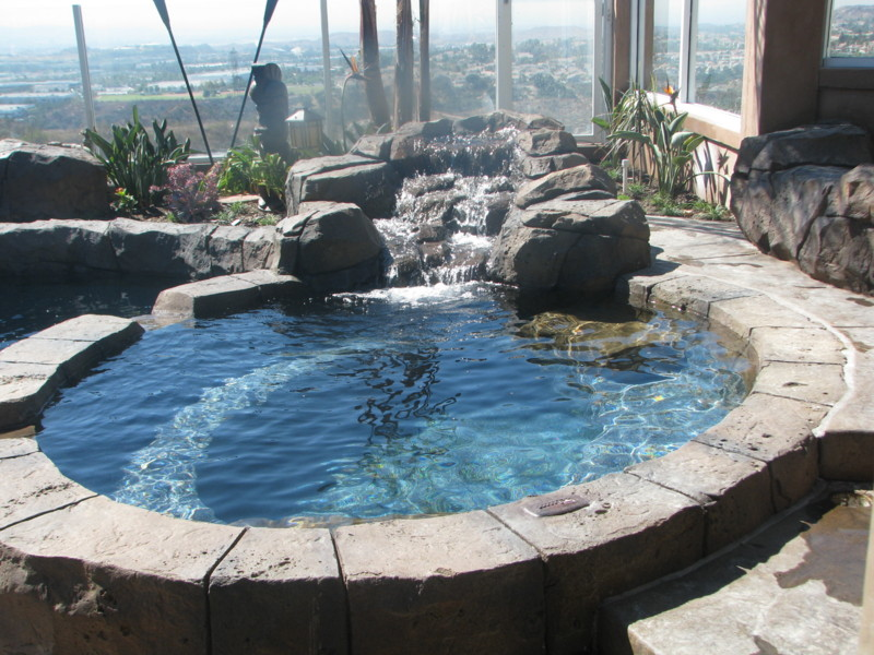Rock Spa With Small Waterfall San Diego Swimming Pool Builders San Diego Dream Pools